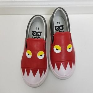 Hoo red monster shoes